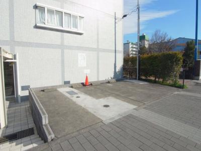 久米川マンション 駐車場