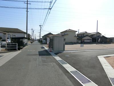 北側道路。