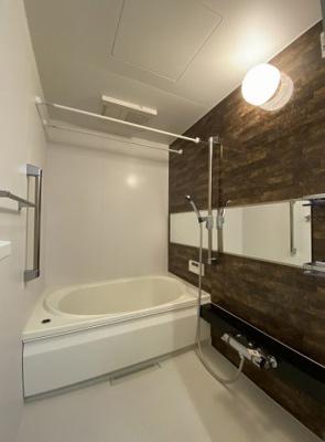 追い焚き機能・浴室暖房乾燥機付きバスルーム♪お風呂に浸かって一日の疲れもすっきりリフレッシュ♪