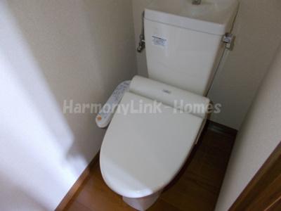 アーバンヒルズ目白Aの落ち着いた色調のトイレです