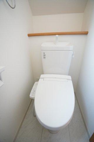トイレは1階と、2階とあるので朝の重なる時間も安心ですね。