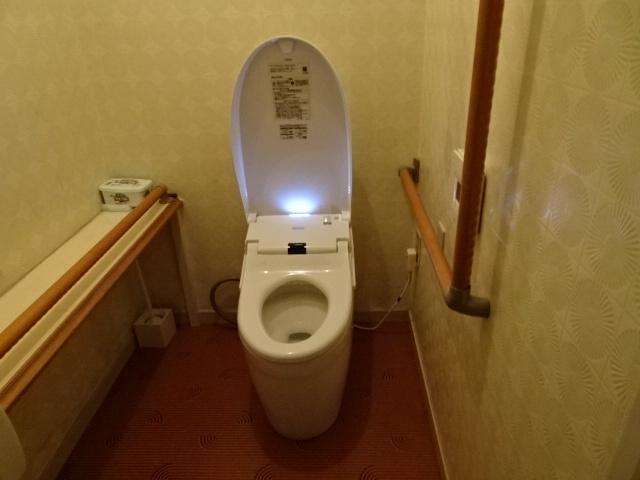 1階のトイレ、リフォーム済みです。