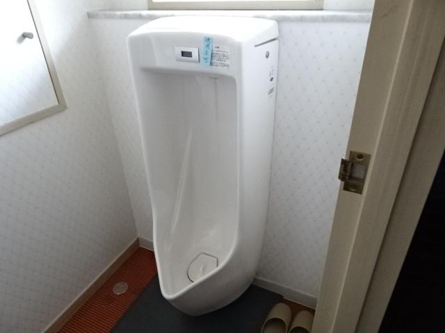 1階男子トイレ。便利です