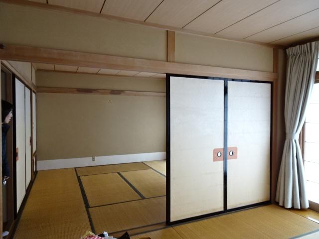 2階の8帖続き間和室です。