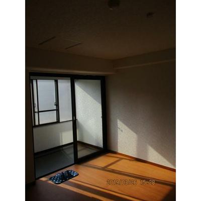 MF9ビルの洋室