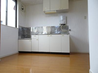 根岸マンション K4.5帖(洋室側から)