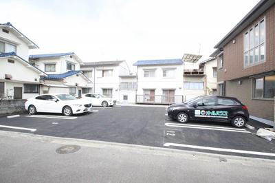 【駐車場】グランシャリオ