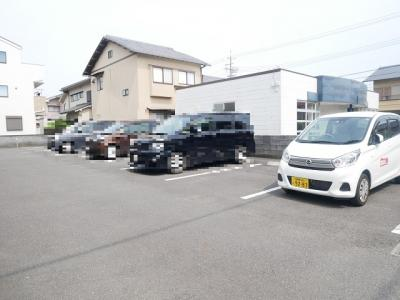 【駐車場】ソヨゴガーデン