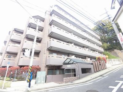横浜市営地下鉄ブルーライン「蒔田」駅徒歩6分と好立地。