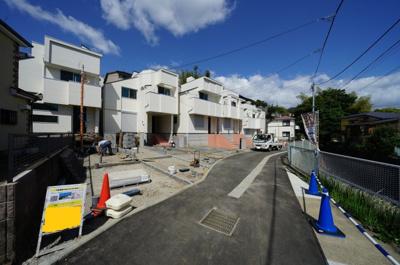 【前面道路含む現地写真】保土ヶ谷区今井町全8棟 新築戸建て