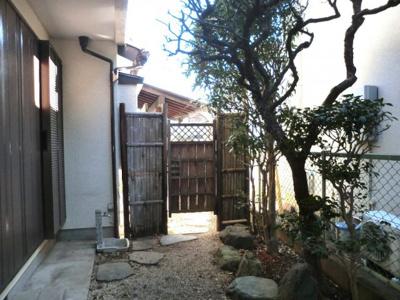 【庭】大型分譲地内・茅ヶ崎駅徒歩圏内の中古一戸建て