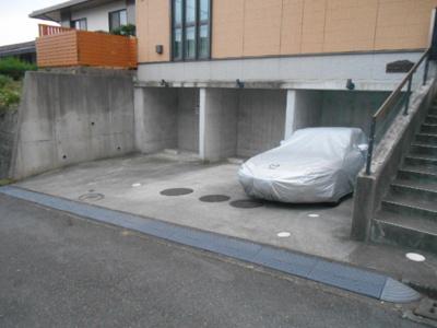 【駐車場】岸根公園ガーデンハウス