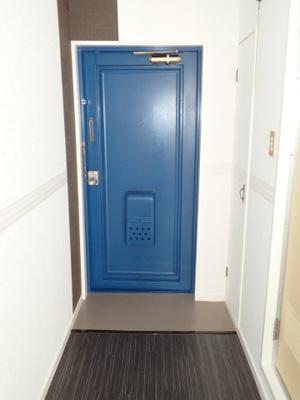 スッキリとした玄関 収納もございます