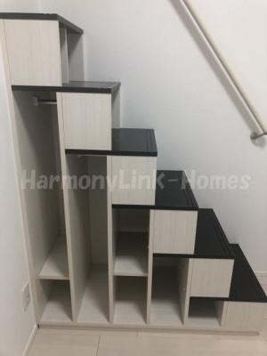 ラ・ベルメールの収納階段(別物件参考)