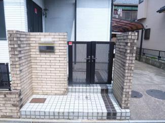 【玄関】近江八幡市西本郷町 中古戸建