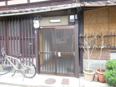 【エントランス】西ノ京星池町貸家(南棟)