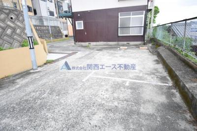 【駐車場】ロイヤル野崎