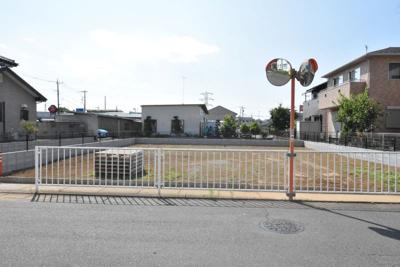 【前面道路含む現地写真】鴻巣市上生出塚 売地