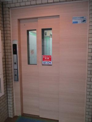 エレベーターと集合ポスト