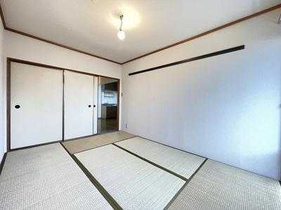 押入れのある東向き和室6帖のお部屋です!寝具をすっきり収納できるので和室は寝室にもオススメ☆