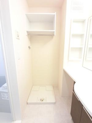 洗濯機置き場です。防水パンあります。