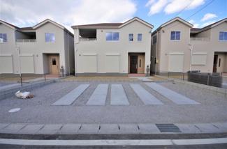 堂々完成しました!(1~6号棟まで完成済み) 敷地面積181.97㎡(55.04坪) 駐車場並列2台。