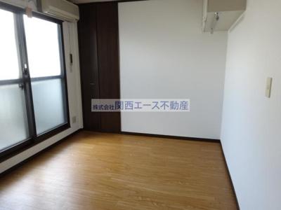 【居間・リビング】ライフテック野崎駅前