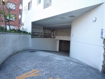 【駐車場】アパガーデン新宿戸山公園