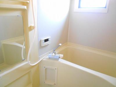 【浴室】ヴィラ・アゼリア
