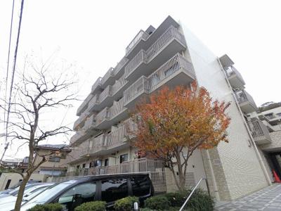 12路線乗入れのビックターミナル「横浜」駅徒歩15分! 落ち着いて暮らせる閑静な住宅街です。