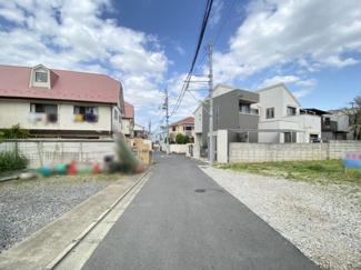 【前面道路含む現地写真】世田谷区野沢1丁目 建築条件なし土地