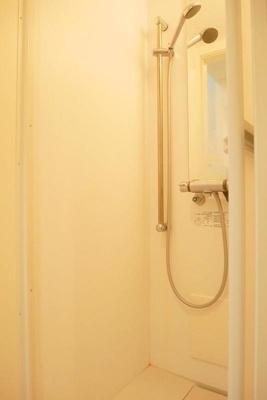 ハーモニーテラス大森東のきれいなシャワールームです