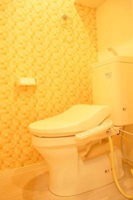 ハーモニーテラス大森東の落ち着いた色調のトイレです