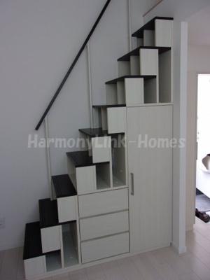 プランドール東小岩の収納付き階段☆