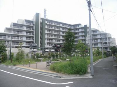 中央線「武蔵境」駅まで電車1本でアクセス可。始発駅「是政」より徒歩7分。