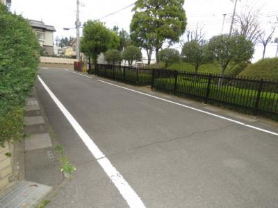【前面道路含む現地写真】小堤中古戸建