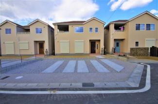 堂々完成しました!(1~6号棟まで完成済み) 敷地面積177.39㎡(35.51坪) 駐車場並列2台。