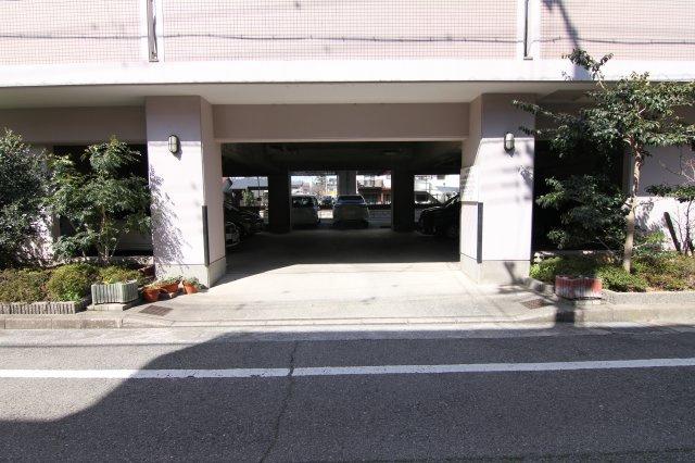 【外観】ウエストリバーTJ駐車場