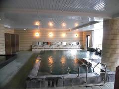 24時間利用可能な温泉付き。