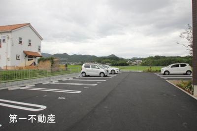 【駐車場】シャーメゾン エトワール