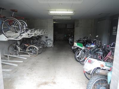 駐輪場・バイク置場。