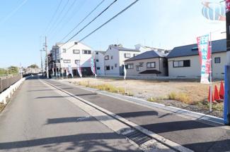 周辺交通量の少ない閑静な住宅街です。