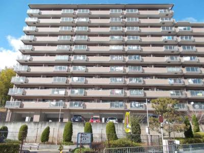【現地写真】鉄筋コンクリート造の75戸の分譲マンション♪
