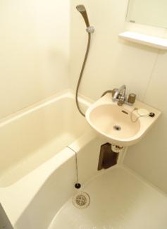 【キッチン】《高稼働!10.03%》滋賀県彦根市芹川町一棟マンション