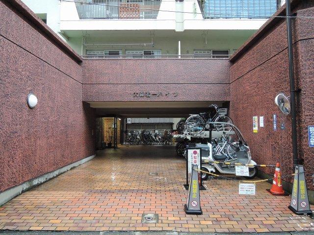 JR京浜東北線「大森」駅徒歩2分、京急本線「大森海岸」駅徒歩8分と好立地。 通勤時間の短縮でご家族と過ごす時間を増やす事が出来ます。