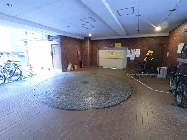 機械式駐車場。