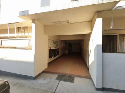 東急東横線・東急目黒線・横浜市営地下鉄グリーンライン「日吉」駅徒歩8分。 忙しい朝が助かる立地、暮らしにゆとりが生まれます。