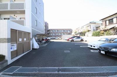 駐車場・駐輪場・ゴミ置き場