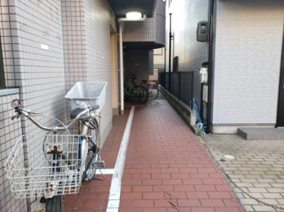 駐輪場兼エントランス☆神戸市垂水区 ヴィーナスブリッジ壱番館☆