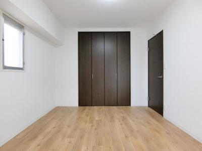 【現地写真】 寝室のゆとりが大きい分だけ、暮らしの安らぎは深まります♪